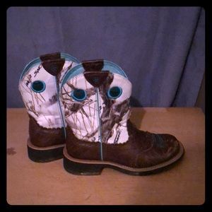 Artist fat baby cowboy boots - size 6